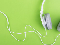 Teaching In Higher Ed Podcasts: 5 that Inspire and Inform