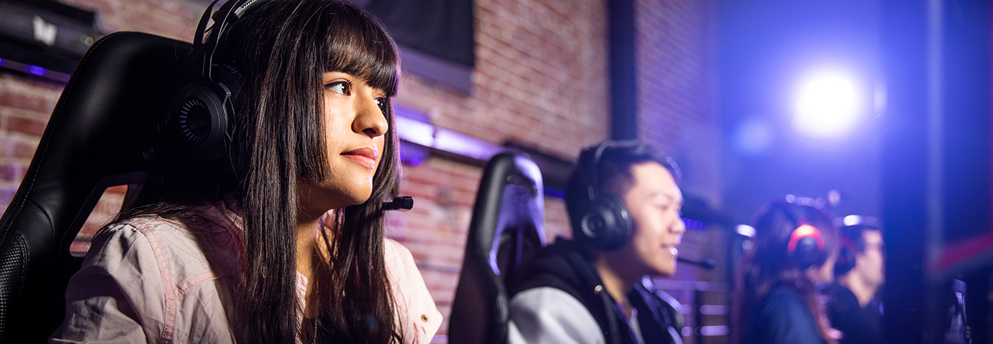 Girl playing esports