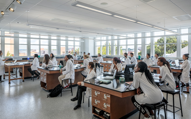 UCI students in lab