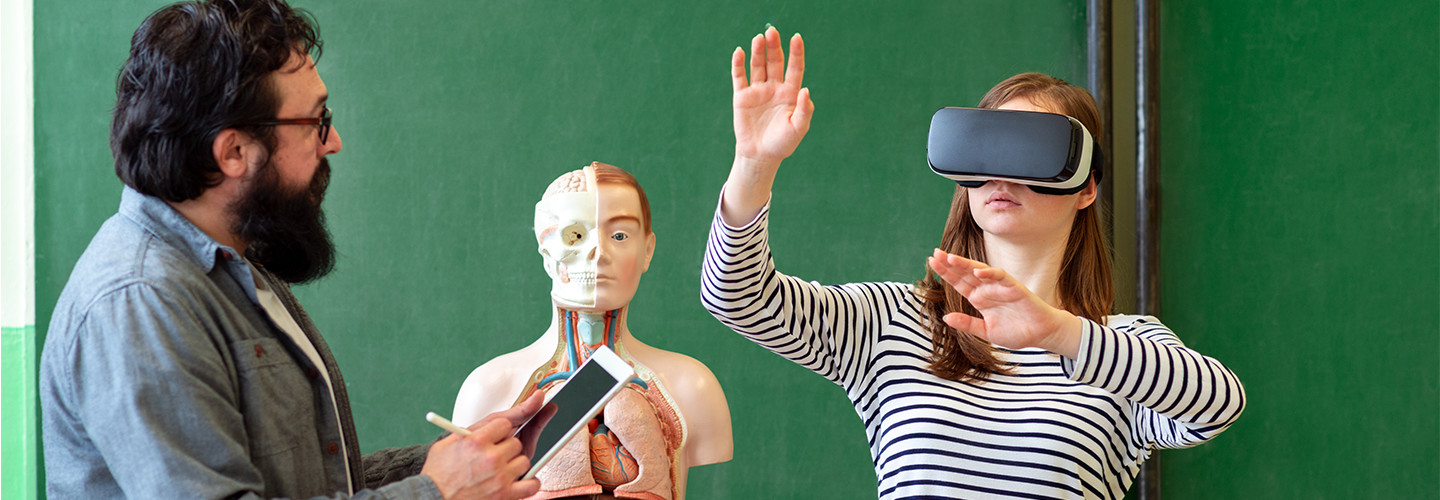 VR and AR technologies enhancing biology education