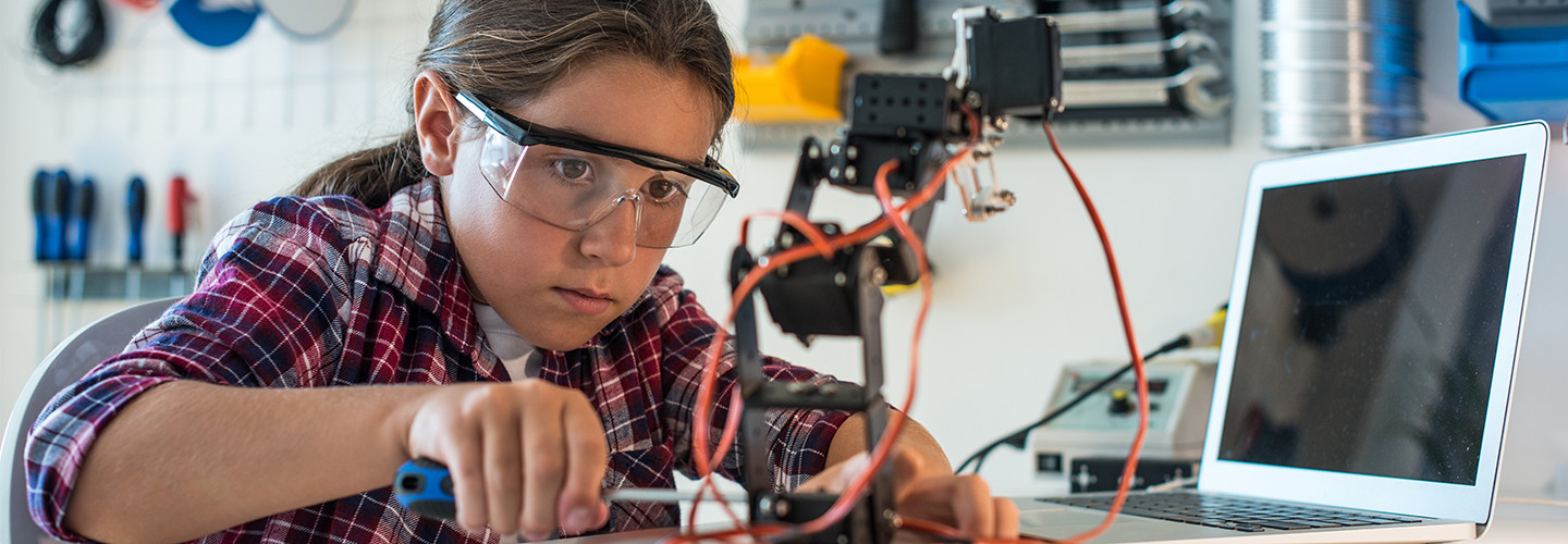 The Top Unexpected Benefits of Robotics in the Classroom