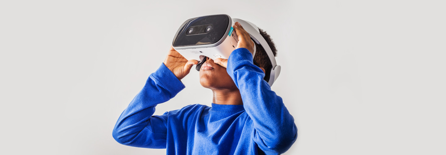 Kid with virtual reality headset
