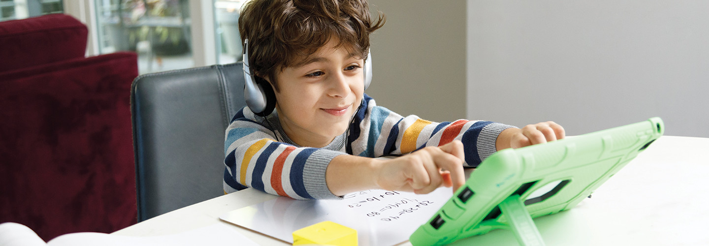 positive online learning environments for kids