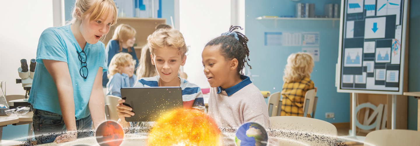 K–12 students observe augmented reality model of solar system